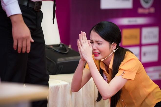 Huỳnh Thúy Vi từng khiến BGK hoa hậu Việt Nam rơi lệ khi diễn xuất đầy xúc cảm trong phần thi tài năng tối
