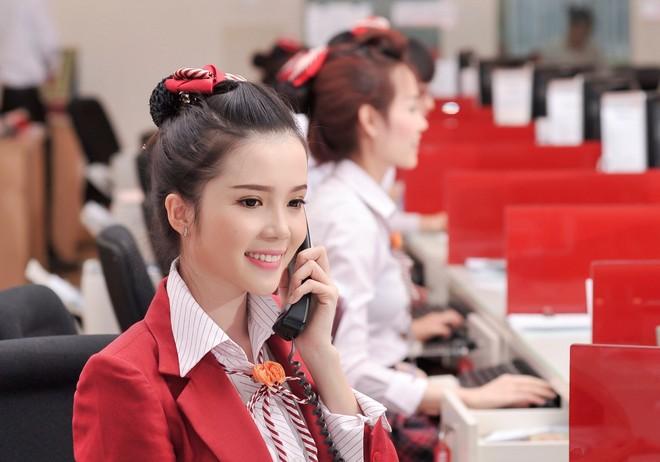 Hành trình đến đêm chung kết Hoa hậu Việt Nam của nhân viên ngân hàng ảnh 1