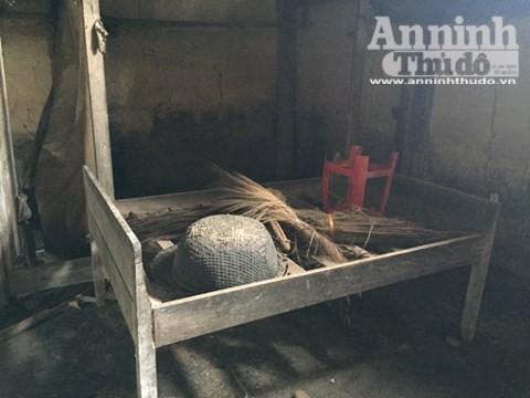 Căn nhà nơi xảy ra vụ thảm sát 4 người hoang phế lạnh người ảnh 13