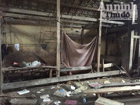 Căn nhà nơi xảy ra vụ thảm sát 4 người hoang phế lạnh người ảnh 21