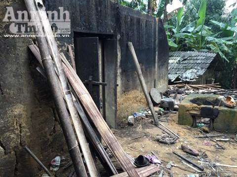 Căn nhà nơi xảy ra vụ thảm sát 4 người hoang phế lạnh người ảnh 24
