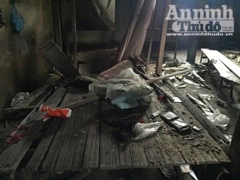 Căn nhà nơi xảy ra vụ thảm sát 4 người hoang phế lạnh người ảnh 12