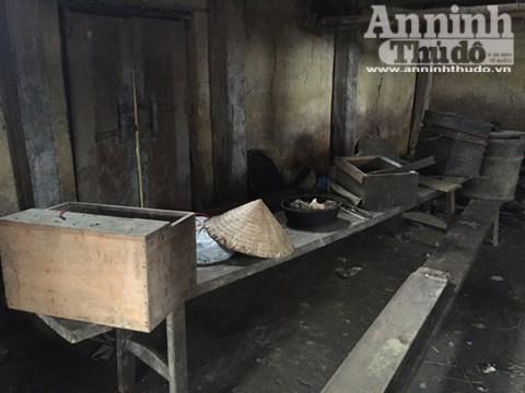 Căn nhà nơi xảy ra vụ thảm sát 4 người hoang phế lạnh người ảnh 10