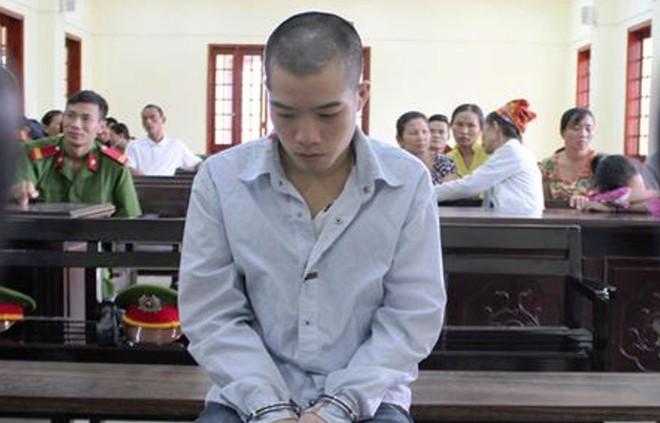 Lộc Văn Tú trong lúc chờ HĐXX nghị án