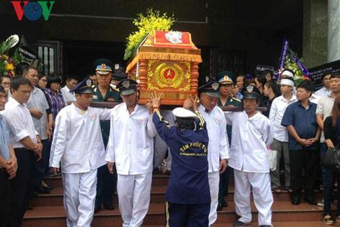 Lễ truy điệu 3 phi công tử nạn trong vụ rơi máy bay ở Vũng Tàu ảnh 5