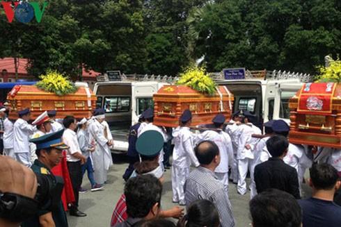 Lễ truy điệu 3 phi công tử nạn trong vụ rơi máy bay ở Vũng Tàu ảnh 6