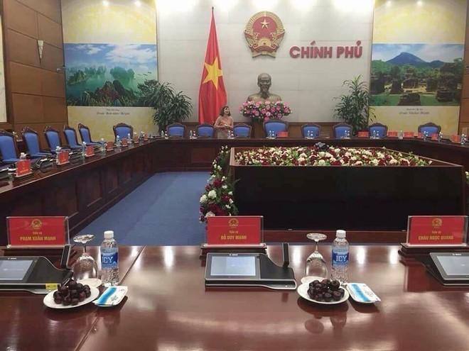 U23 Việt Nam đang diễu hành trên đường phố Hà Nội