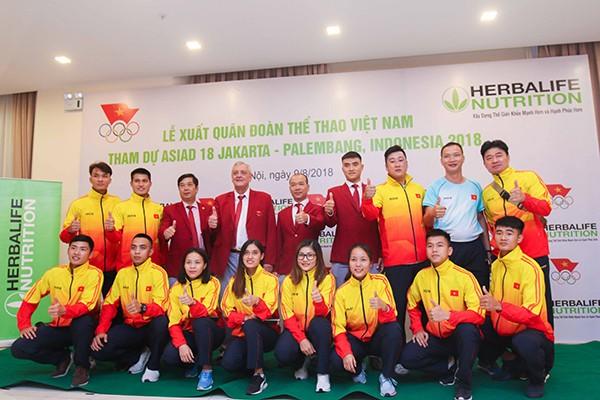 Động Lực tài trợ trang phục ASIAD 2018 cho đoàn thể thao Việt Nam
