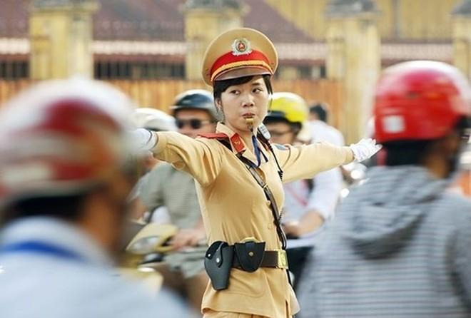 Cảnh sát giao thông, CATP Hà Nội nỗ lực phân luồng, đảm bảo an toàn giao thông