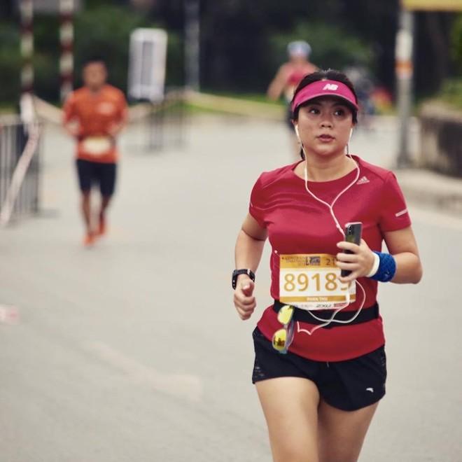 VĐV trong giải chạy Longbien Marathon