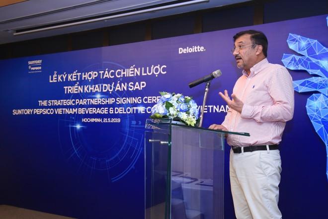 Ông Uday Shankar Sinha, Tổng Giám đốc Suntory PepsiCo Việt Nam phát biểu tại buổi lễ ký kết