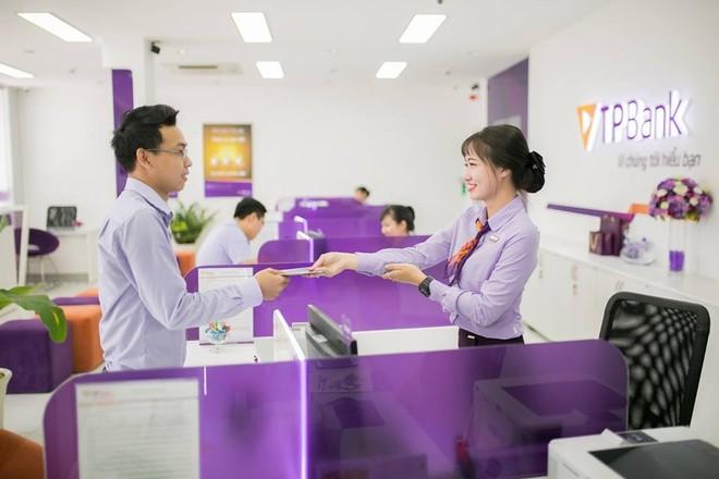 Ngân hàng TMCP Tiên Phong (TPBank) vừa được Tạp chí tài chính hàng đầu Châu Á The Asian Banker vinh danh trong Bảng xếp hạng Top 500 ngân hàng mạnh nhất Châu Á – Thái Bình Dương và Top 10 ngân hàng mạnh nhất Việt Nam năm 2019.