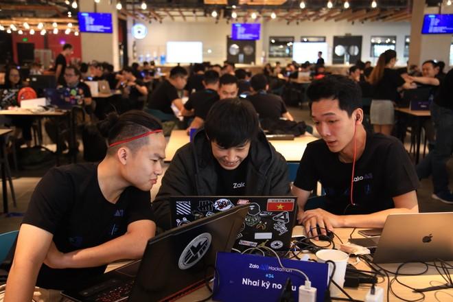 """Zalo AI Hackathon 2019 quy tụ các anh tài trong lĩnh vực trí tuệ nhân tạo nhằm giải quyết bài toán """"đường lưỡi bò"""""""