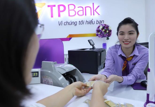 TPBank triển khai bán các sản phẩm vàng như vàng Kim Tý, vàng Kim Thần Tài, vàng Kim Ngân Tài, vàng Âu vàng Phúc Long và nhẫn tròn trọng lượng 1 chỉ, 2 chỉ, 5 chỉ với tổng khối lượng lên tới hàng nghìn lượng vàng