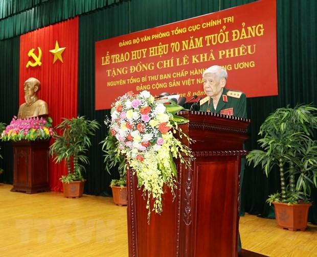 Nguyen Tong Bi thu Le Kha Phieu tu tran hinh anh 2