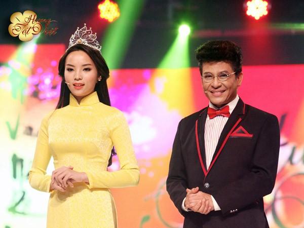 Hoa hậu Nguyễn Cao Kỳ Duyên tham gia Hương Tết Việt ảnh 1