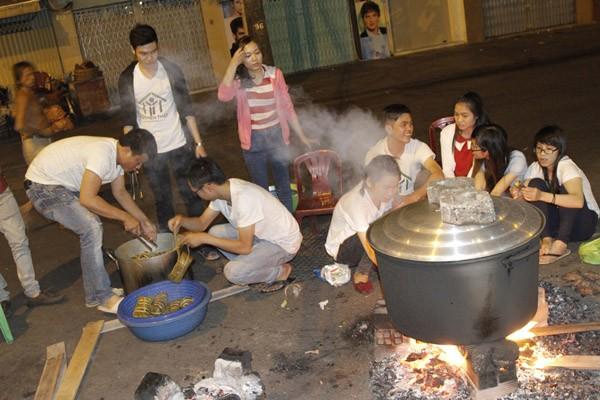 Dàn sao Việt chung tay gói bánh chưng, bánh tét gửi tặng người nghèo ảnh 8