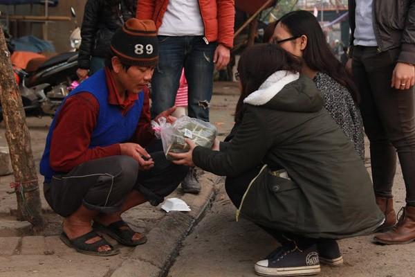 Dàn sao Việt chung tay gói bánh chưng, bánh tét gửi tặng người nghèo ảnh 14