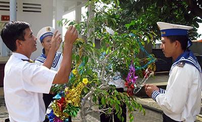 Mang Xuân từ đất liền đến đảo Phan Vinh ảnh 1