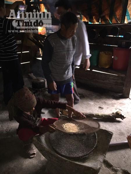 Cận cảnh cuộc sống độc đáo của người Rục ở Quảng Bình ảnh 11