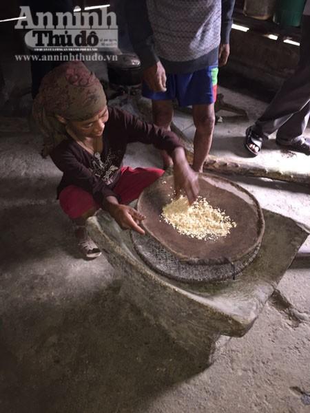 Cận cảnh cuộc sống độc đáo của người Rục ở Quảng Bình ảnh 10