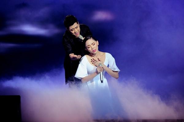 Đông Nhi hóa công chúa Ba Tư xinh đẹp, Tóc Tiên khóc nghẹn bên Thành Lộc ảnh 9