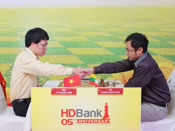 Giải Cờ vua Quốc tế HDBank 2015: Quang Liêm giữ mạch bất bại ảnh 3