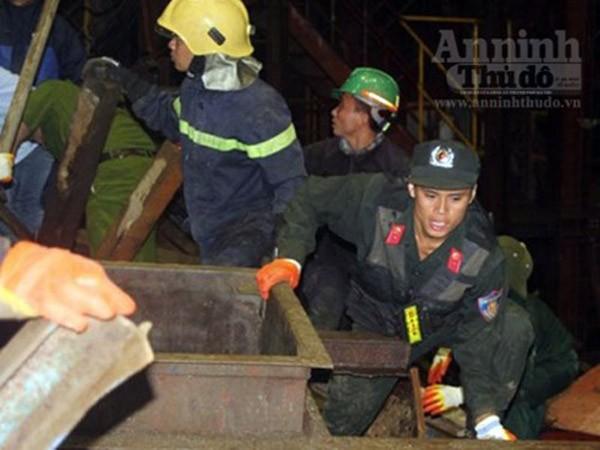 Phó Thủ tướng Hoàng Trung Hải trực tiếp chỉ đạo cứu nạn tại Vũng Áng ảnh 1