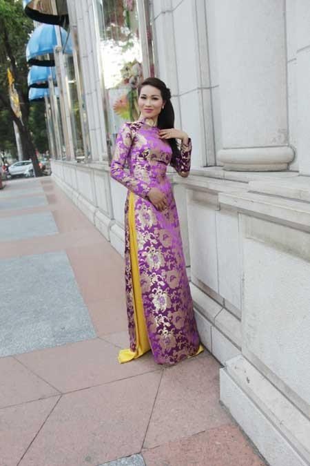 Xuân Nguyễn dịu dàng với áo dài ảnh 3