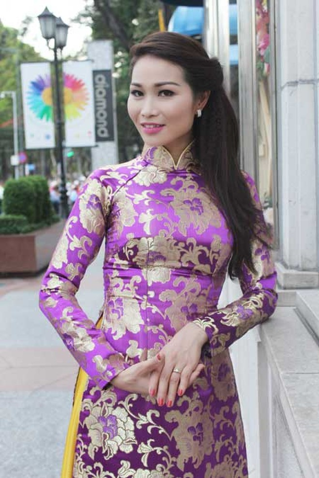 Xuân Nguyễn dịu dàng với áo dài ảnh 4