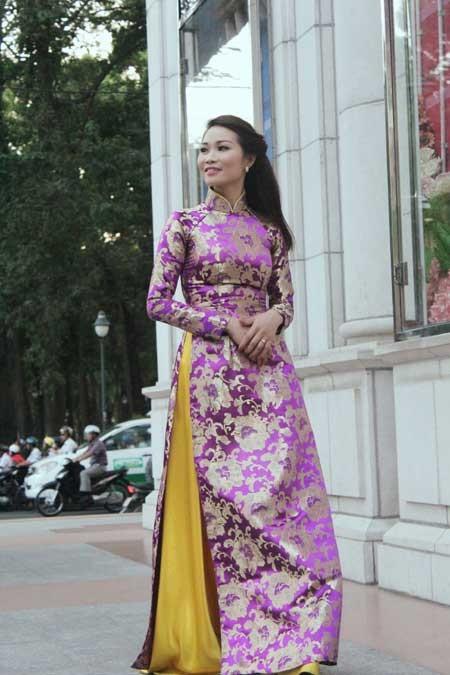Xuân Nguyễn dịu dàng với áo dài ảnh 2