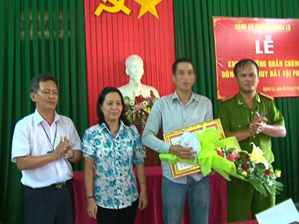 Khen thưởng công dân có thành tích trong tấn công tội phạm ảnh 1