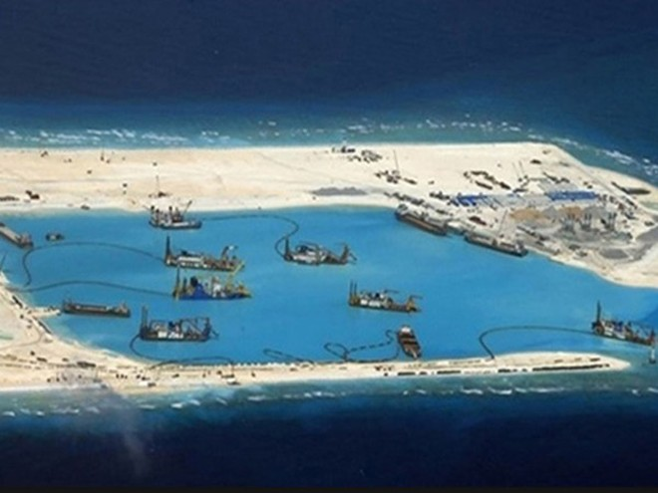 Bị Trung Quốc xua đuổi, ngư dân Philippines kêu cứu Liên hợp quốc ảnh 1
