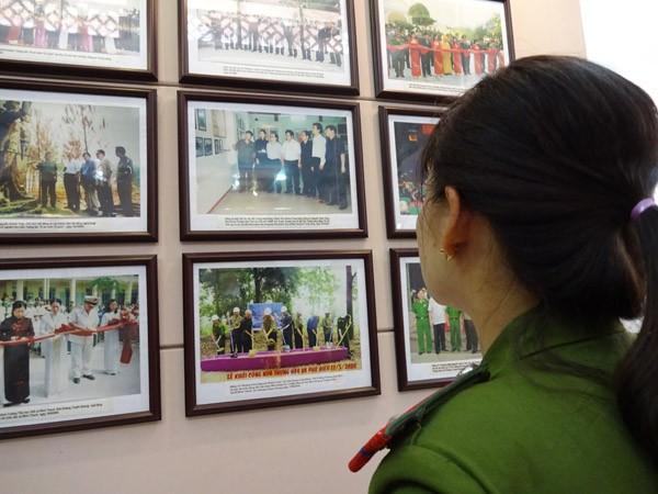 Phụ nữ Cụm thi đua số 3 CATP Hà Nội về nguồn báo công dâng Bác ảnh 9