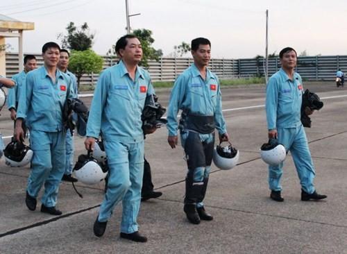 Chuyện chưa kể về phi công Việt Nam lái chiến đấu cơ Su-30MK2 ảnh 1
