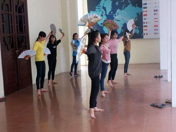 Sinh viên Hà Nội Mãi mãi tri ân các thầy giáo, cô giáo kính yêu ảnh 6