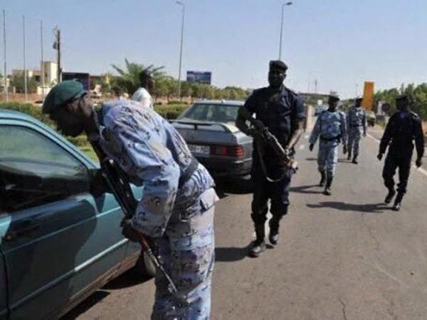 Phiến quân tấn công khách sạn ở Mali, bắt cóc 170 con tin ảnh 2