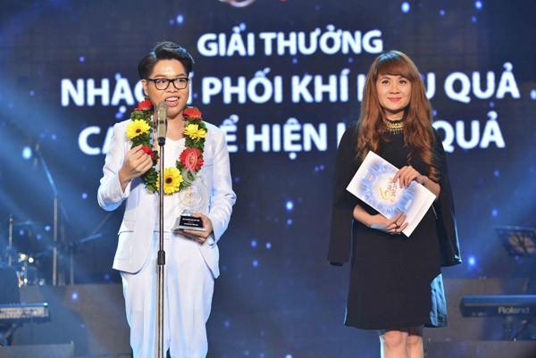 """Đức Phúc xuất sắc giành """"cú đúp"""" giải thưởng tại Bài hát Việt tháng 11 ảnh 3"""