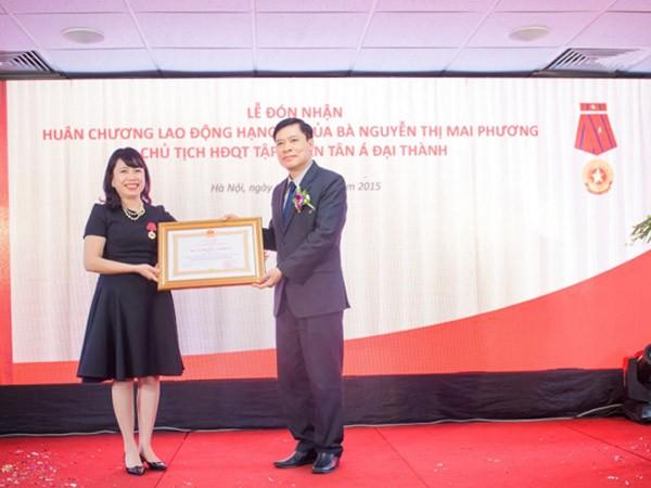 Chủ tịch HĐQT Tập đoàn Tân Á Đại Thành được trao Huân chương Lao động hạng Ba ảnh 1