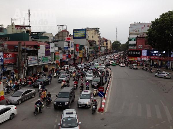 Đường phố Hà Nội thông thoáng trong ngày làm việc đầu tiên của năm mới Bính Thân ảnh 6