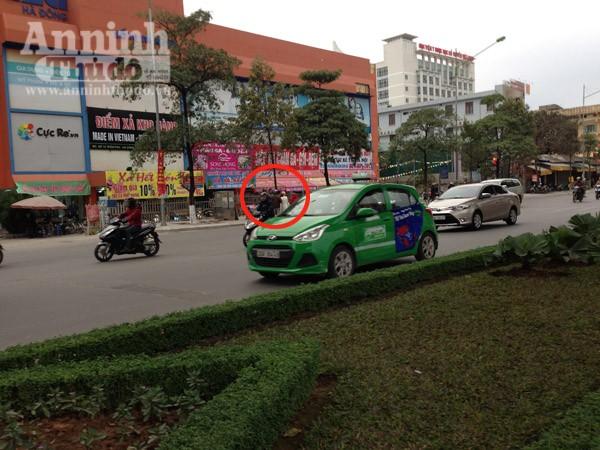 Đường phố Hà Nội thông thoáng trong ngày làm việc đầu tiên của năm mới Bính Thân ảnh 8