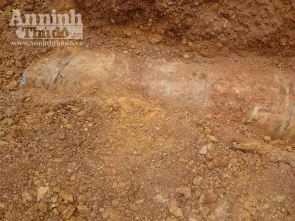 Phát hiện quả bom nặng 250 kg khi đào móng làm nhà ảnh 1