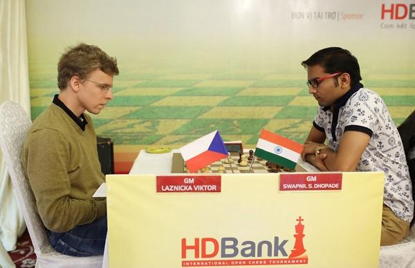 Ngày thi đấu thứ 2 giải Cờ vua Quốc tế HDBank: Đẳng cấp lên tiếng ảnh 2