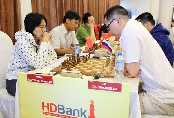 Ngày thi đấu thứ 2 giải Cờ vua Quốc tế HDBank: Đẳng cấp lên tiếng ảnh 3