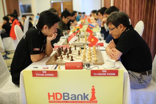 Giải Cờ vua Quốc tế HDBank 2016: Thanh An bất ngờ cầm hòa cựu kỳ thủ số 1 Việt Nam Đào Thiên Hải ảnh 2