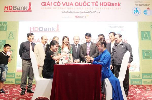 Giải Cờ vua Quốc tế HDBank 2016: Thanh An bất ngờ cầm hòa cựu kỳ thủ số 1 Việt Nam Đào Thiên Hải ảnh 1