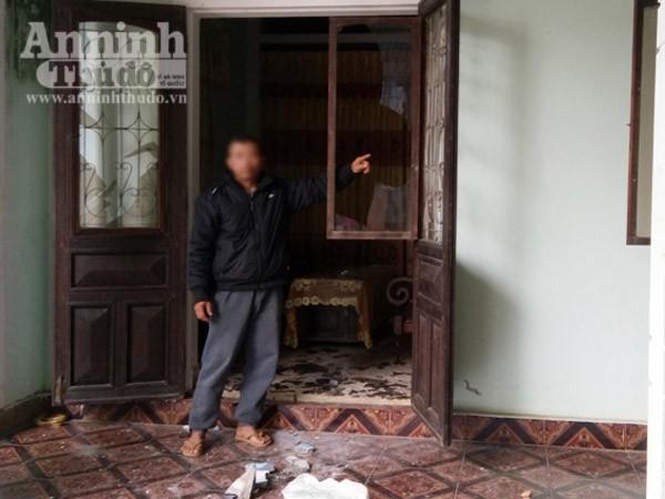 """Côn đồ đập phá nhà cửa, dọa giết một gia đình vì không đóng """"phí lậu"""" ảnh 1"""
