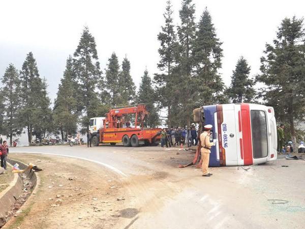 Audio 16-3-2016: Lại xảy ra tai nạn xe khách ở Sa Pa, 1 người chết, hàng chục người bị thương ảnh 2