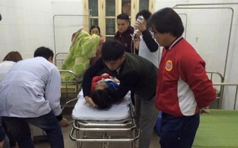 Audio 16-3-2016: Lại xảy ra tai nạn xe khách ở Sa Pa, 1 người chết, hàng chục người bị thương ảnh 3