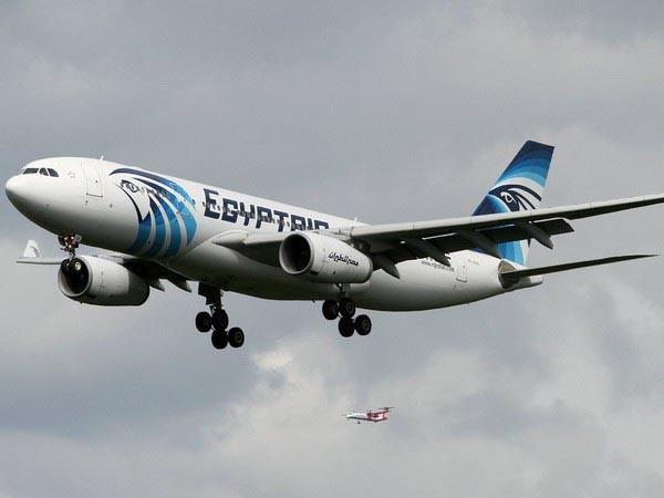 Máy bay chở hơn 60 người của Ai Cập bị không tặc khống chế ảnh 1